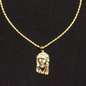 Gold Rope Chain 2mm And Jesus Piece